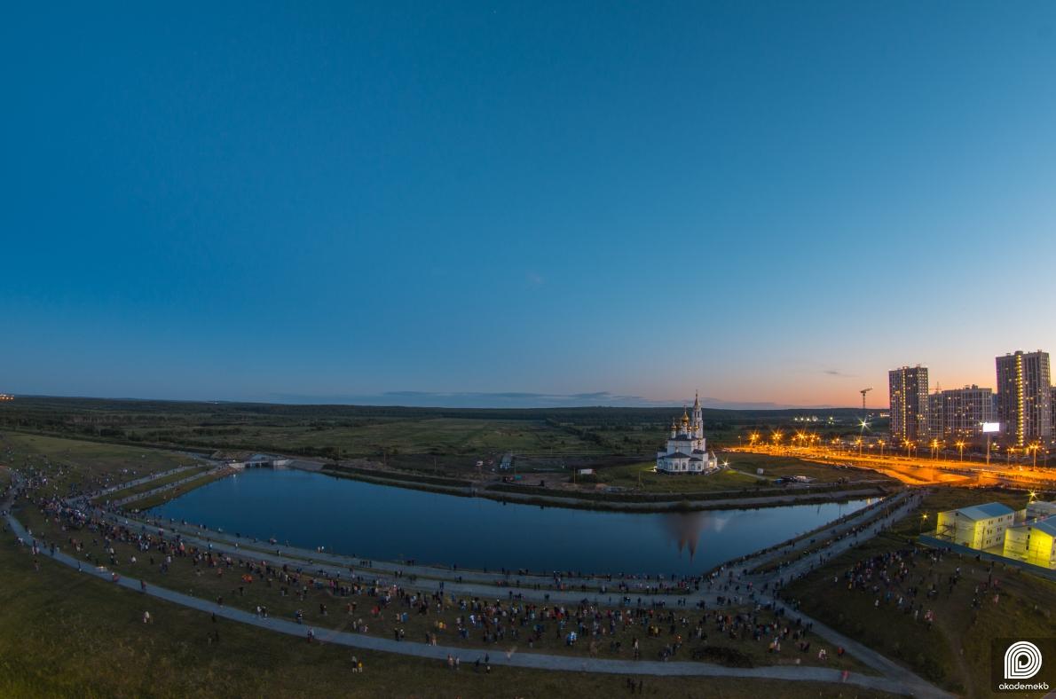 Салют Победы отгремел в Преображенском парке