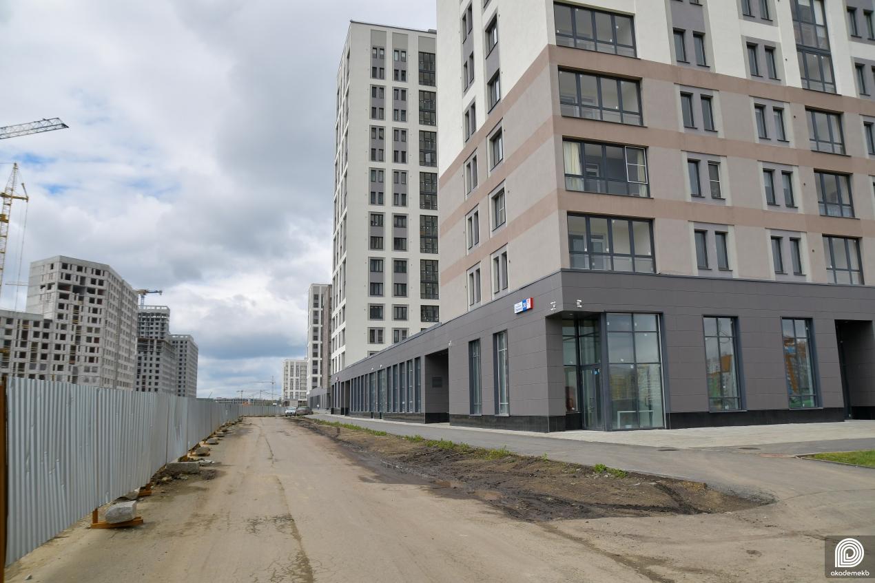 В новых кварталах Академического идёт строительства улицы Академика Парина