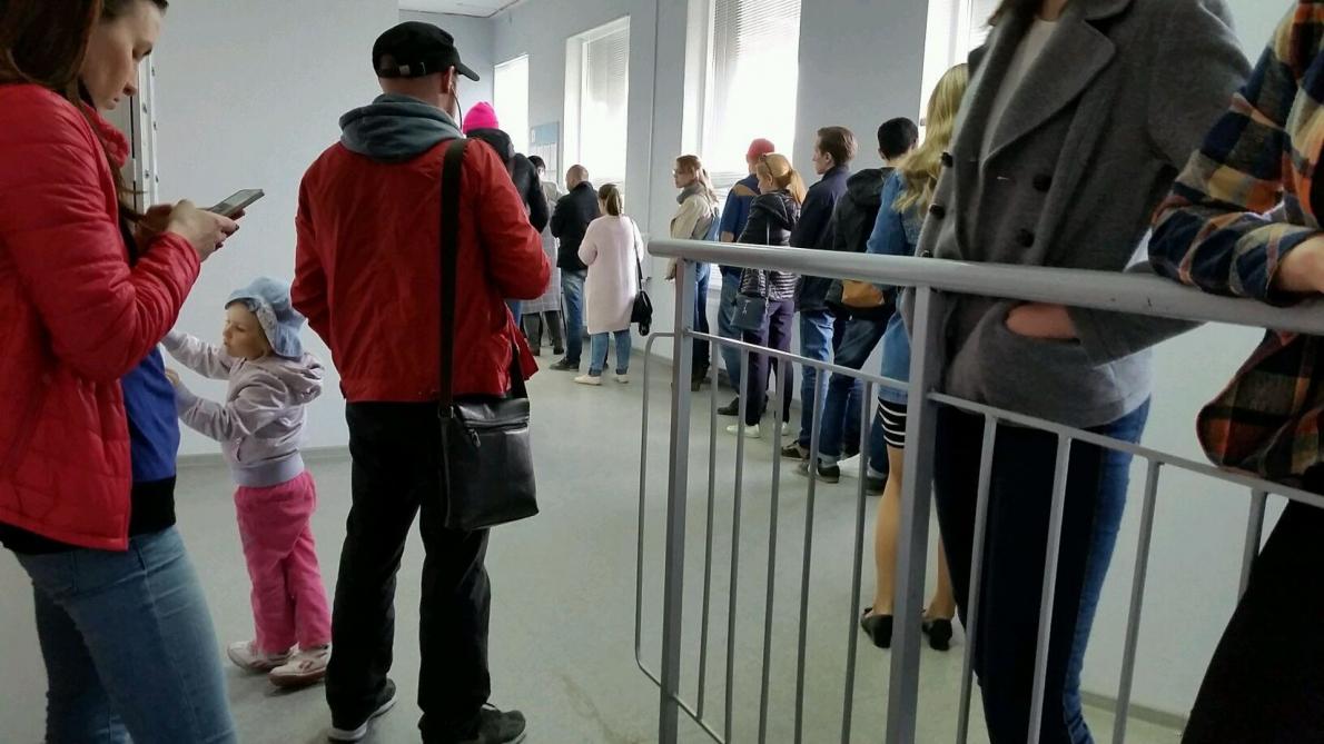 Электронная очередь не помогла почтовому отделению на Мехренцева справиться с очередями
